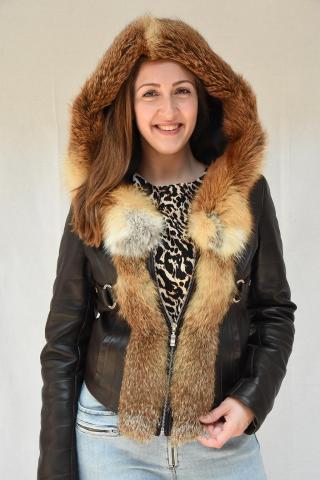Ženska jakna sa kapuljačom